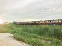 Поезд и высокорослое стекло Стоковые Изображения