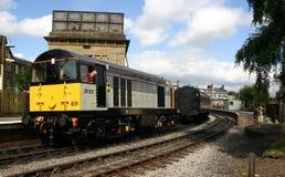 поезд кривого железнодорожный Стоковое фото RF