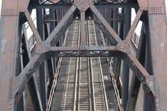 поезд моста стальной стоковые фото