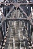 поезд моста стальной стоковая фотография