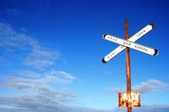 поезд неба знака стоковые изображения