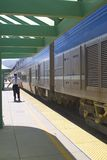 поезд остановленный станцией Стоковые Изображения RF