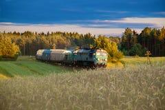 Поезд перевозки тепловозный Стоковое фото RF
