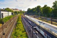 Поезд приезжая для того чтобы поместить, Копенгаген стоковое фото
