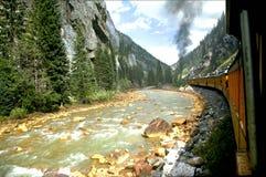 поезд реки Стоковая Фотография RF