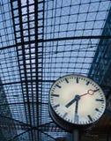 поезд станции часов berlin Стоковое Изображение