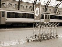 поезд станции sepia тележек Стоковая Фотография