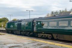 Поезд Great Western железнодорожный на вокзале стоковое изображение
