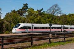 Поезд ICE-TD от DB и DSB на платформе на вокзале Vordingborg Стоковое Фото