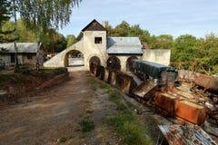 Поезда и фуры в карьере Стоковое Фото