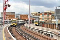 Поезда на платформе, станции моста Лондона Стоковое фото RF
