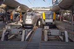 Поезда на станции Стоковые Изображения