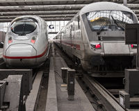 Поезда на станции Стоковые Фотографии RF