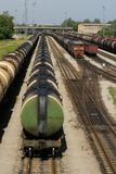 поезда черного смазочного минерального масла Стоковые Изображения