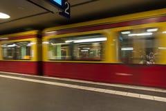 Поезд Берлина S-Bahn Стоковые Изображения