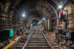 Поезд в метро тоннеля Стоковая Фотография RF