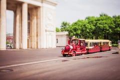 Поезд в парке. стоковая фотография rf