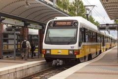 Поезд ДРОТИКА на в Далласе Стоковое фото RF