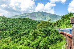 Поезд, который нужно идти в горы, Вьетнам Стоковое Изображение