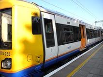 Поезд Лондона Overground Стоковая Фотография