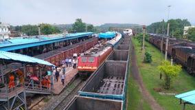 Поезд на Platfrom Стоковые Фотографии RF