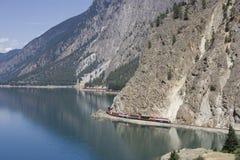поезд перевозки длинний Стоковое Изображение