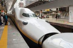 Поезд пули серии E4 (высокоскоростной или Shinkansen) Стоковая Фотография