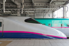 Поезд пули серии E2 (высокоскоростной, Shinkansen) Стоковое Изображение