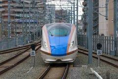 Поезд пули серии E7/W7 (высокоскоростной или Shinkansen) Стоковая Фотография RF