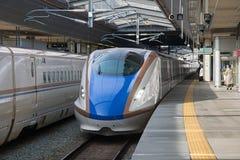 Поезд пули серии E7/W7 (высокоскоростной или Shinkansen) Стоковая Фотография