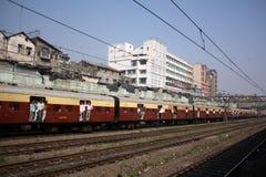 поезд регулярного пассажира пригородных поездов индийский Стоковое фото RF