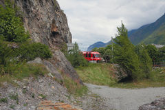 Поезд управляя в тоннеле горы Vernayaz, Martigny, Швейцария Стоковое Изображение