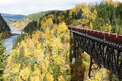Поезд через реку Moisie Стоковое Фото