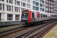 Поезд s Bahn s в Гамбурге Стоковые Фотографии RF