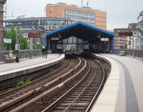 Поезд s Bahn s в Гамбурге Стоковые Изображения