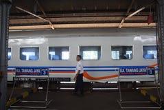 Поезд Tawang Jaya запуская самое длинное к Джакарте Стоковое Изображение