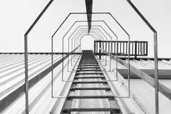 Пожарная лестница, лестница пожарной лестницы с верхней сценой Стоковые Фотографии RF