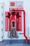Пожарное депо, непредвиденные инструменты против огня на шлюпке, США стоковые фотографии rf