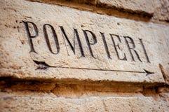 Пожарное депо, каменный знак итальянско стоковое фото