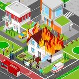 Пожарные тушат огонь в городе дома равновеликом Пожарный помогает раненой женщине иллюстрация штока