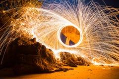 Пожар закручивая от стальных шерстей Стоковые Фотографии RF