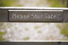 Пожалуйста закрытый знак строба Стоковое Изображение