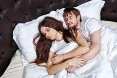 Пожененный спать пар Стоковое фото RF