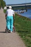 пожилой гулять ходока человека Стоковое Изображение