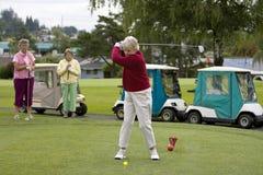 пожилые игроки в гольф Стоковое Изображение