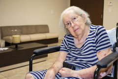 пожилая женщина фокуса глаз Стоковое Изображение