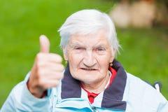 пожилая женщина фокуса глаз Стоковое фото RF
