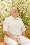 Пожилой сад человека весной Стоковые Фотографии RF