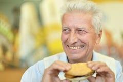 пожилой счастливый человек стоковые фотографии rf
