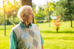 пожилой человек напольный Стоковое Фото